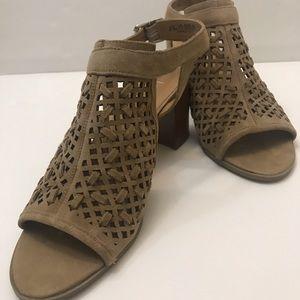 Franco Sarto Women's sandals tan size 8.5